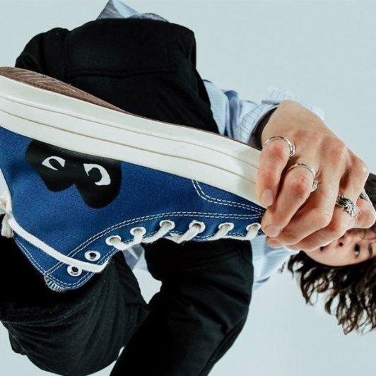 CDG Play x Converse新款帆布鞋CDG Play x Converse新款帆布鞋