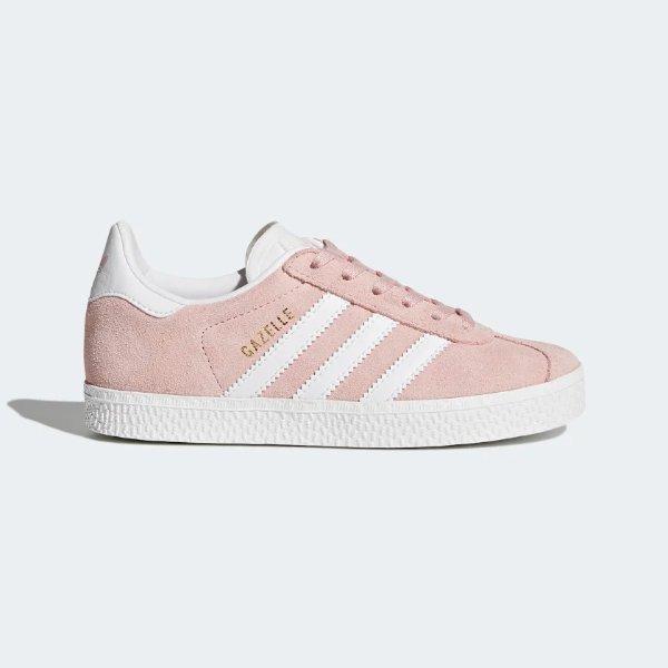 粉色运动鞋
