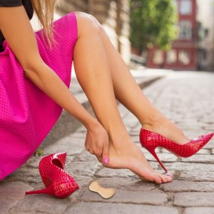 4折起 夏日单鞋必备Amazon 后跟贴超多选择 弧形 T形、凝胶 棉质总有一款适合你