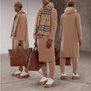 Burberry 时尚美衣热卖,法式风衣$593,棉服外套$449