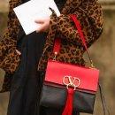 满额低至5折 半价好折不容错过Valentino 服饰鞋包好价收 张扬不放肆 刚硬且温柔