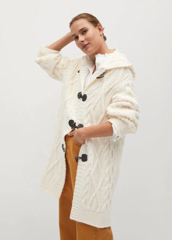 牛角扣毛衣外套