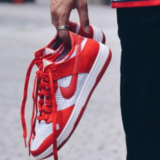 $59.99起(原价$119.99) + 免邮,多色选Nike Dunk Flyknit 男鞋促销,轻便透气的编织材质