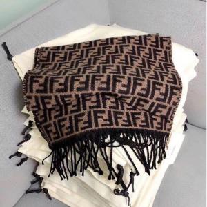 独家7折 €245收封面爆款围巾Fendi 新款爆款罕见大促 老花围巾、FF腰带 都在线等你啦