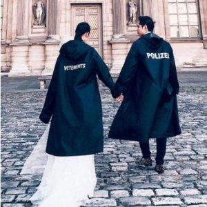 封面同款雨衣$392收即将截止:Vetements 精选潮衣热卖 明星最爱夸张街头风