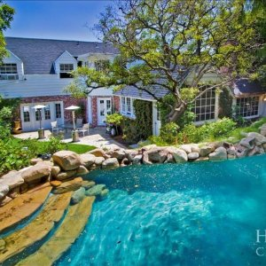 From $695Hollywood Celebrity Estate