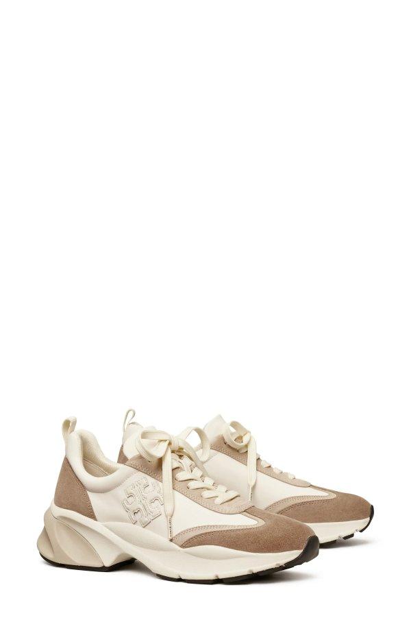 奶茶色厚底运动鞋