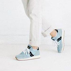低至$31.86 (原价$95)索康尼 Saucony Jazz Original 女士复古跑鞋