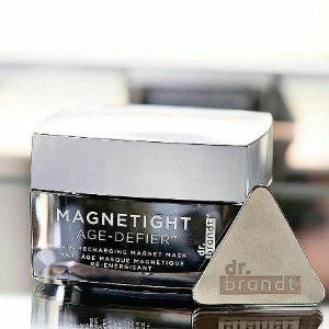 Free needles no more 3-D volumizing maskwith Dr.brandt MAGNETIGHT AGE DEFIER