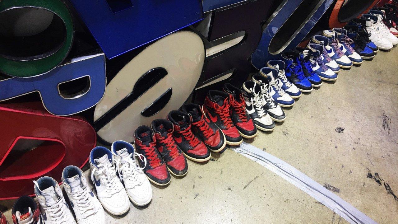 球鞋尺码攻略 | Yeezy,AJ,Converse, Gucci小白鞋 ... 这些大火的球鞋我究竟应该穿几码?