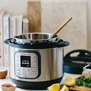Amazon Instant Pot 7-in-1 Programmable Pressure Cooker