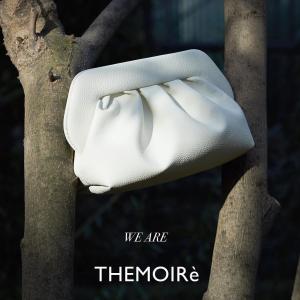 闪促6折 €134收云朵包来米兰的小众设计品牌 THEMOIRÈ 可爱云朵包 简约又高级