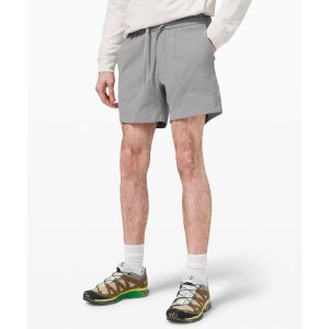 LululemonBowline 运动短裤