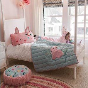 低至8折 章鱼靠枕$23.99Soft Landing 儿童房家居装饰 彩虹靠枕$35.99 摇摇马$56