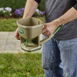 $21.99Scotts 手持式撒播施肥机 后院的小花小草在呼唤