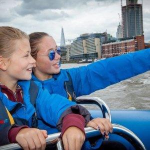 76折 不一样的游船体验泰晤士河快艇之旅007同款 双人行£59
