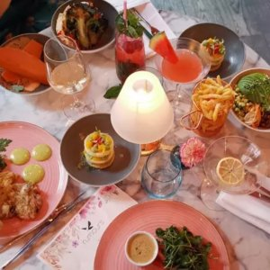 低至£19/人Rumours Mayfair的精致晚餐 适合与小伙伴们聚餐哦