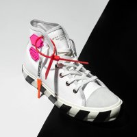 Off-White 新款运动鞋