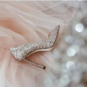 全场6折 €297收千颂伊同款水晶鞋Jimmy Choo 女生梦想中的水晶鞋 快收经典亮片 渐变款啦