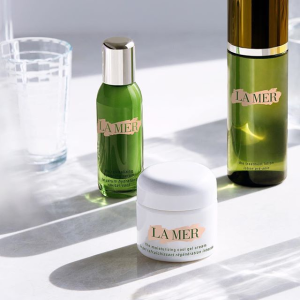 Enjoy a 4-piece calming regimen featuringwith $300 purchase +The Concentrate with $500+ @ La Mer