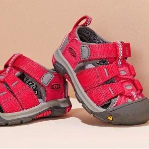 Kids Outdoor Sandals Sale @Nordstrom Rack