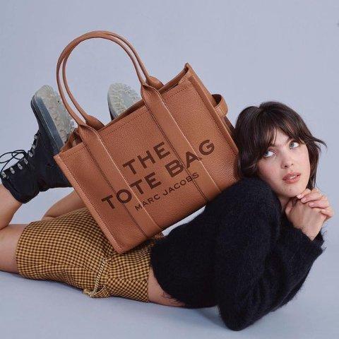 7折起 收史努比联名款Marc Jacobs 相机包新品闪促 超多配色相机包、毛绒包参与
