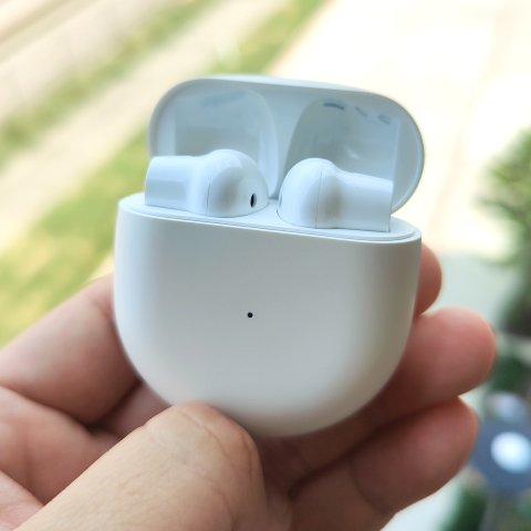 Great competitor with AirpodsOnePlus Buds Wireless Earphone