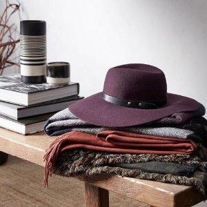 低至4折 流苏方巾$13.5流苏围巾、条纹大方巾、毛球毛线帽  寒意渐浓好好爱自己