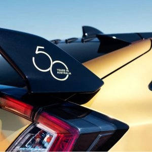 金灿灿的除草机了解一下Honda 澳洲分部欢庆成立50周年 推出黄金定制车辆