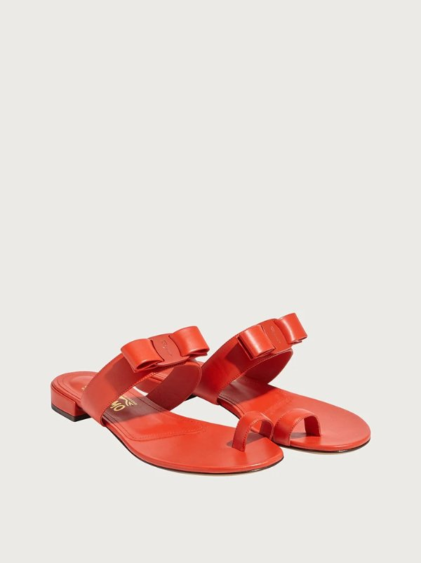 Vara 蝴蝶结夹趾凉鞋