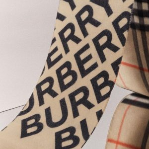 低至6折 收经典格纹围巾Burberry 打折季围巾专场热卖 冬日也可以很温暖