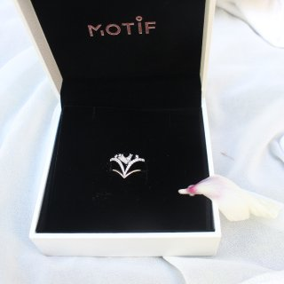 做优雅女人怎么能少得了美美的戒指!