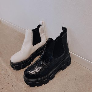 低至5折 封面白色厚底靴$64Circus by Sam Edelman 舒适女鞋 $30收尖头铆钉乐福鞋