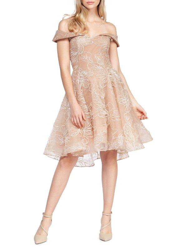一字肩花朵连衣裙