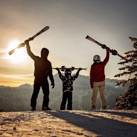 $79起太浩湖Heavenly度假村度假酒店 滑雪季可订到4月 套房有厨房 最多可住6人