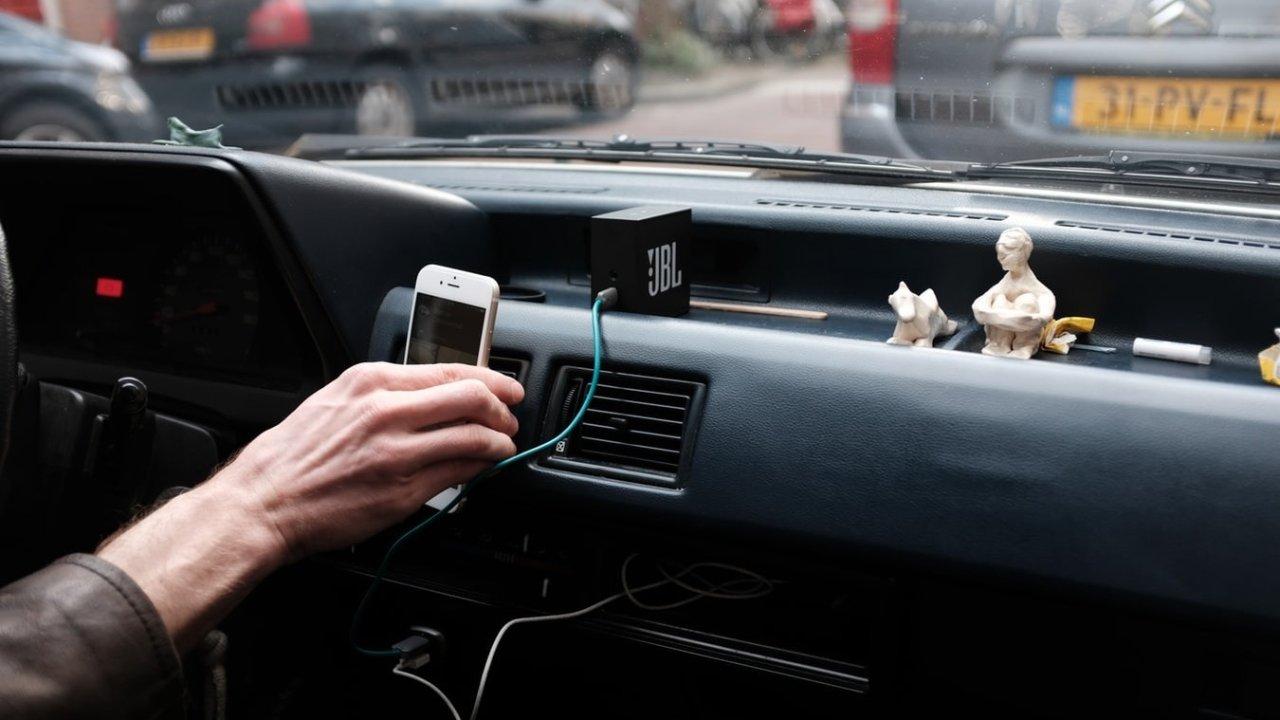 汽车用品大推荐┃从无线车充到车顶露营帐篷,将你的爱车武装到牙齿。