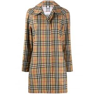 Burberry经典格纹雨衣