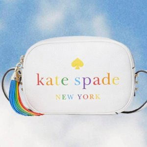 低至4.8折+额外8折 彩虹T恤$31kate spade 彩虹系列包包服饰热卖 封面相机包$111