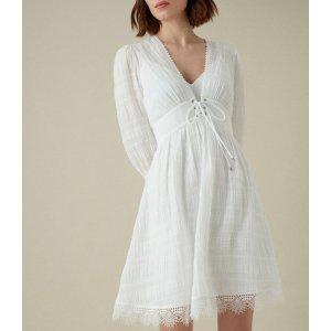 系带连衣裙