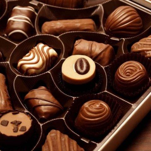 7.2折起 185g混合装黑巧€4.96Amazon 巧克力合集 费列罗、瑞士莲、各种礼盒装等都有