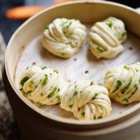 Chinese BreakfastRecipe of Green Onion Roll