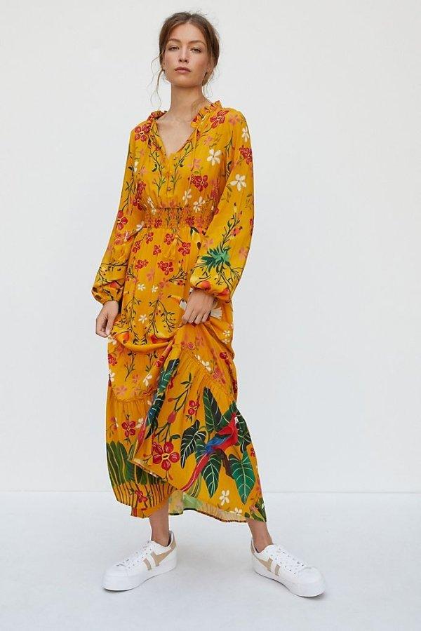 黄色印花连衣裙