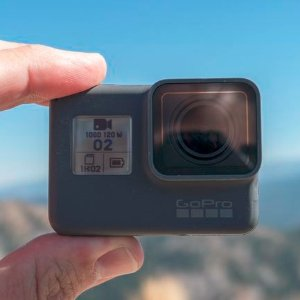 £294.99史低价:GoPro Hero5 Black 17年款防水运动相机