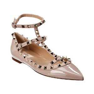 Valentino裸粉色漆皮铆钉芭蕾鞋