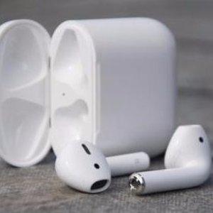 $189 (原价$229)苹果Airpods 无线蓝牙耳机 带标准苹果保修