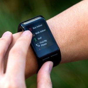 $159.99(原价$199.99)Garmin vívoactive 黑色运动手表,可测心率,有GPS功能哦