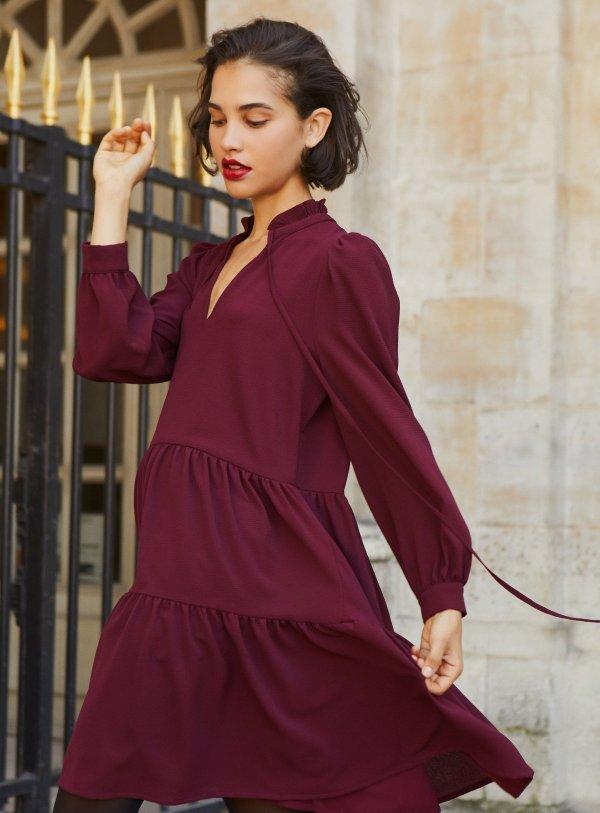酒红色连衣裙