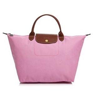 Up to 55% OffWomen Handbags Sale @ Neiman Marcus