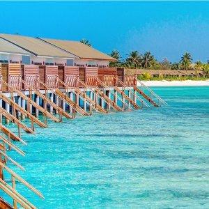 马尔代夫度假村5晚住宿含早 低至1.6折 有效期到2023年