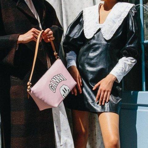 立享8.5折 LogoT恤售€63Ganni 秋冬新款热促 复古娃娃领值得拥有 €374收爆款短靴